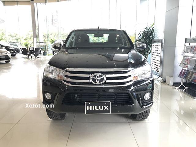 Toyota Hilux 2.4 4x4 MT 2020 (Số sàn,2 cầu) - Đầu xe