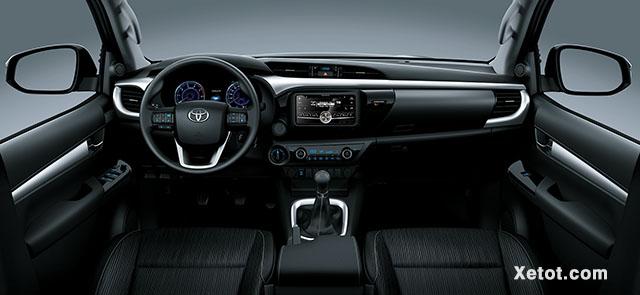 Toyota Hilux 2.4 4x4 MT 2020 (Số sàn,2 cầu) - Nội thất