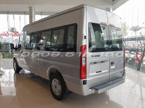 duoi-xe-ford-transit-svp-2020-xetot-com