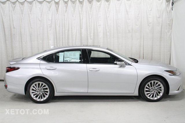 hong-xe-sedan-lexus-es300h-2020-muaxegiatot-vn