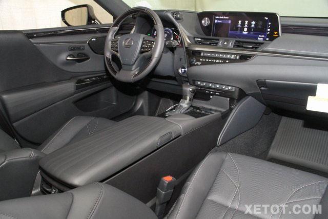 noi-that-xe-sedan-lexus-es300h-2020-muaxegiatot-vn