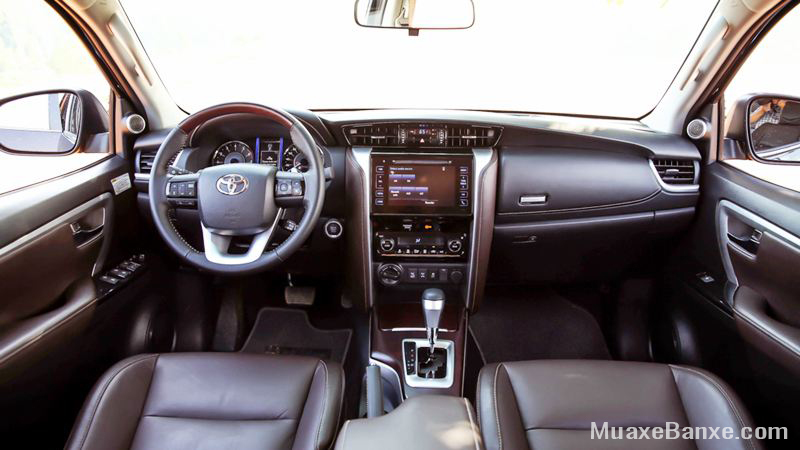 noi-that-xe-toyota-fortuner-2-7at-4-4-2019-may-xang-2-cau-xetot-com