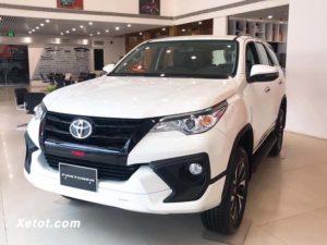 7 300x225 - Nên mua Ford Everest 2020 hay chờ Mitsubishi Pajero Sport 2020?