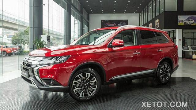 gia-xe-mitsubishi-outlander-2020-2-0-cvt-premium-mau-do-xetot-com