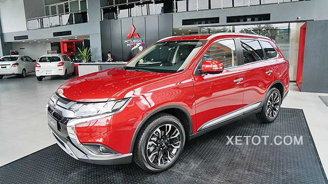 hong-xe-mitsubishi-outlander-2020-2-0-cvt-premium-mau-do-xetot-com