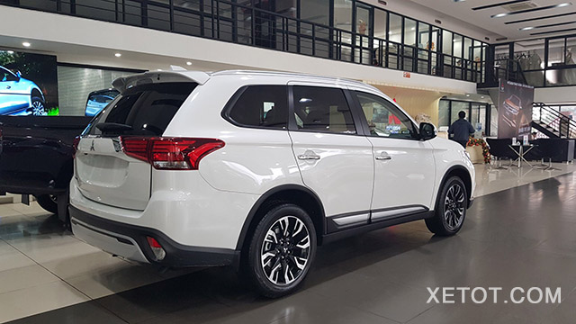 hong-xe-outlander-20cvt-2020-xetot-com