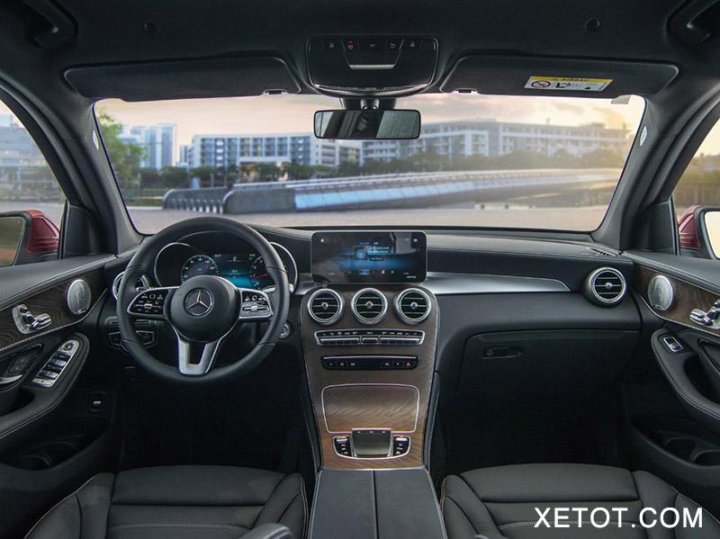 noi-that-xe-mercedes-benz-glc-200-4matic-xetot-com