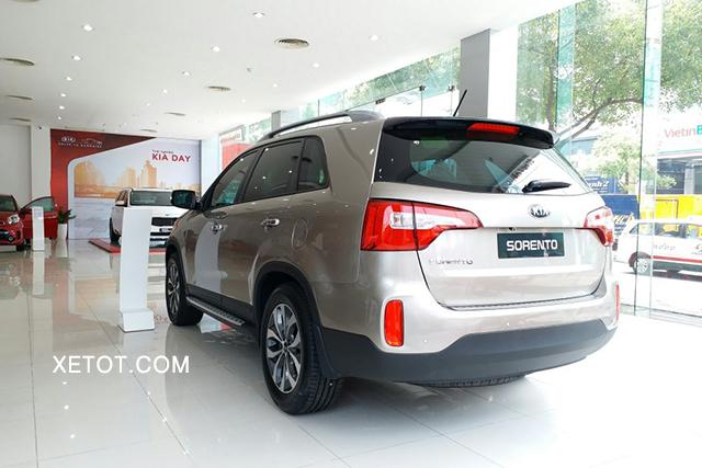 duoi-xe-kia-sorento-24-gat-premium-2020-xetot-com