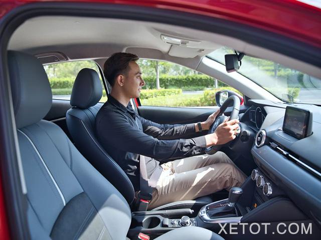 ghe-truoc-xe-mazda-2-2020-sedan-xetot-com