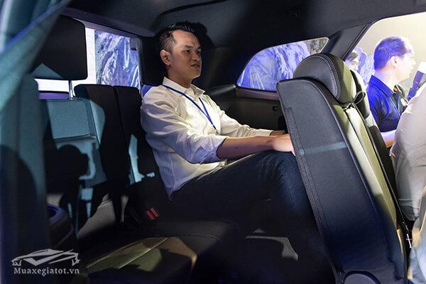hang-ghe-thu-ba-ford-everest-2020-titanium-20-at-1cau-xetot-com