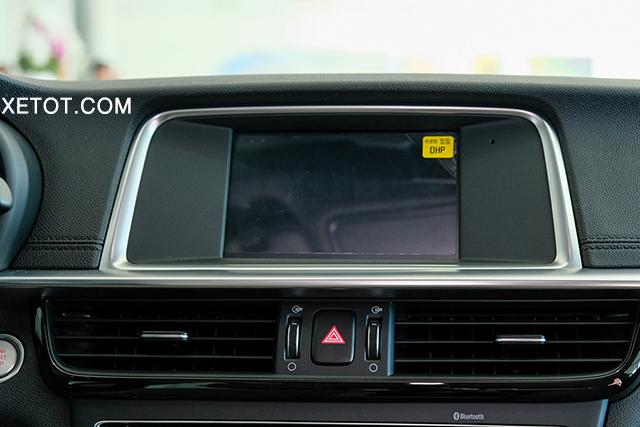 man-hinh-trung-tam-lcd-kia-optima-luxury-2020-xetot-com