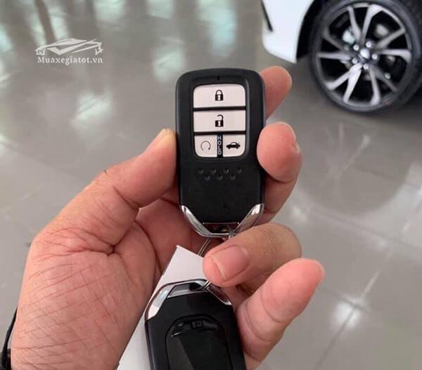 chia-khoa-xe-honda-civic-rs-turbo-2019-xetot-com-1