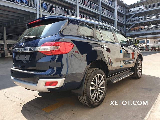 duoi-xe-ford-everest-2020-2021-xetot-com