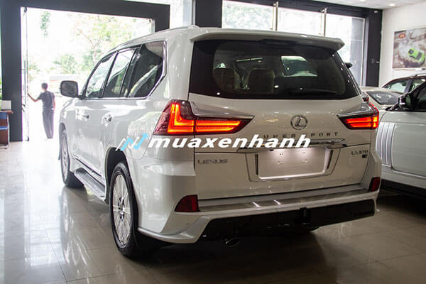 duoi-xe-lexus-lx570-super-sport-2020-2021-xetot-com-4