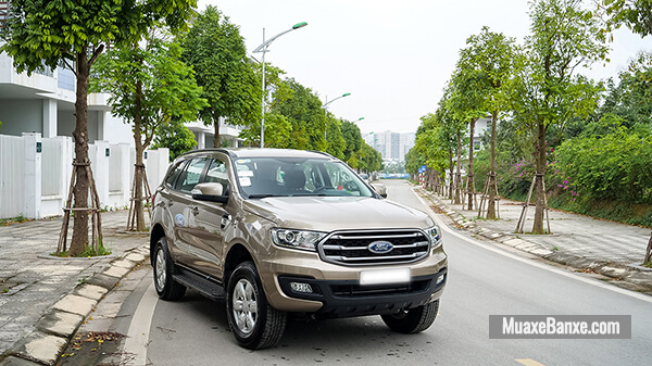 gia-xe-ford-everest-ambiente-at-2020-2021-xetot-com-2