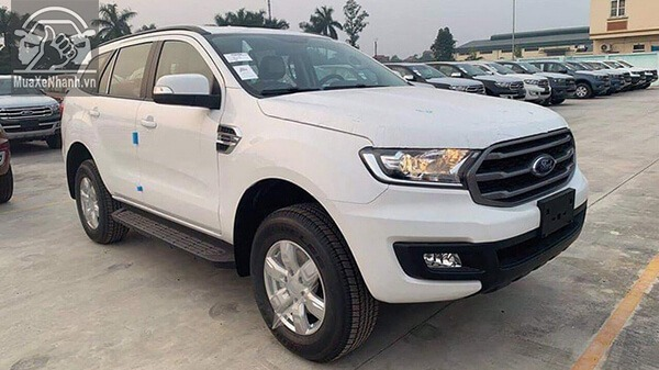 gia-xe-ford-everest-ambiente-so-san-xetot-com-5
