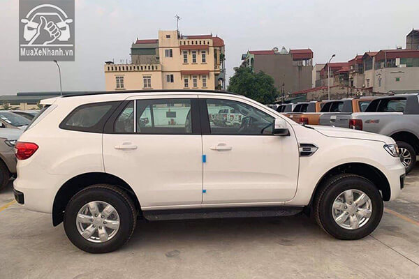 hong-xe-ford-everest-ambiente-so-san-xetot-com-1