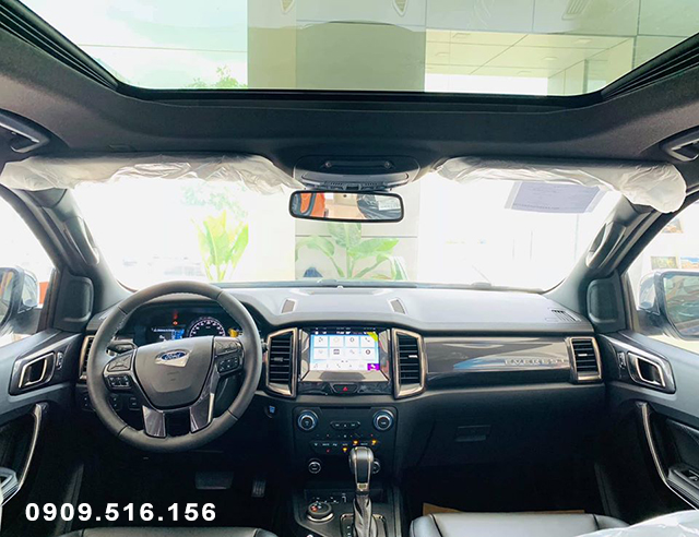 noi-that-xe-ford-everest-titainium-4wd-2020-2021-xetot-com (1)