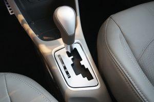 """Kia Morning Standard AT anh 13 300x200 - Chi tiết xe Kia Morning Standard AT 2021 - số tự động giá """"chạm"""" sàn"""