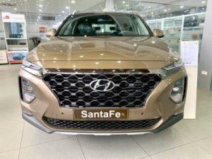 """Ngoại Thất Hyundai Santafe dầu Tiêu Chuẩn 400x300 1 300x225 - Đánh giá Hyundai SantaFe 2.2 Dầu Đặc biệt - máy dầu chạy phà phà, tiện nghi """"max ga"""""""