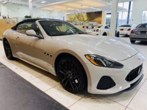 giá xe Maserati GranCabrio