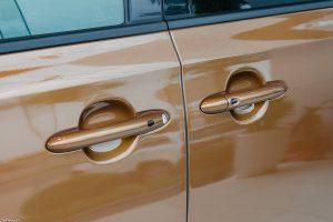 noi that kia sedona 07 42302j 300x200 - Đánh giá xe Kia Sedona Deluxe - Minivan Full-size của Kia giá 1,01 tỷ đồng liệu có xứng đáng để tậu?