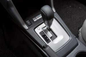 1 300x200 - Chia sẻ cách phân biệt các loại hộp số trên ô tô hiện nay