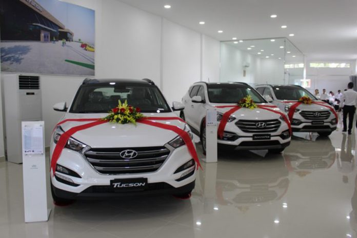 showroom-hyundai-long-an-muaxegiatot-vn-696x464