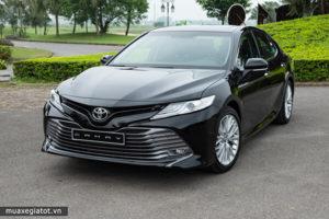 9 1 300x200 - So sánh xe Toyota Camry 2.5Q 2020 và BMW 320i 2020