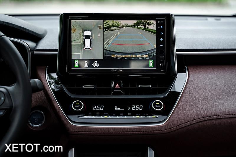 Man-hinh-trung-tam-360-do-Toyota-Corolla-Cross-2020-2021-1-8V-xetot-com