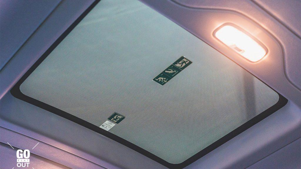 cua-so-troi-Ford-Transit-2021-ra-mat-philiphine-xetot-com
