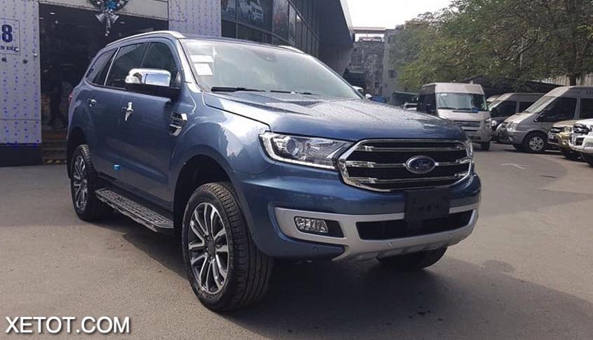 dau-xe-ford-everest-2021-xetot-com.jpg