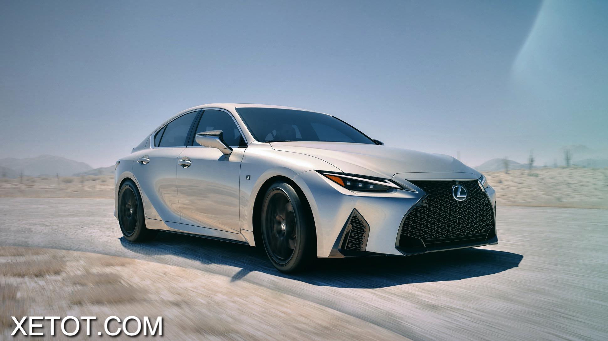 danh-gia-xe-Lexus-IS-2021-xetot-com