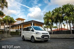 dau-xe-ford-tourneo-2021-xe-7-cho-xetot-com-1