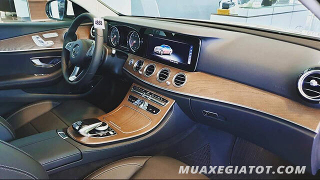 noi-that-xe-mercedes-e200-2021-xetot-com