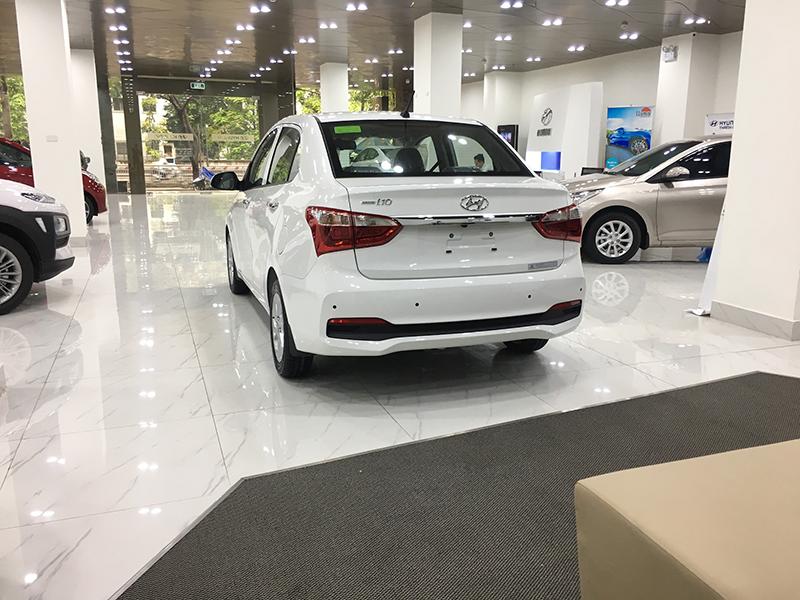 duoi-xe-i10-sedan-2021-xetot-com