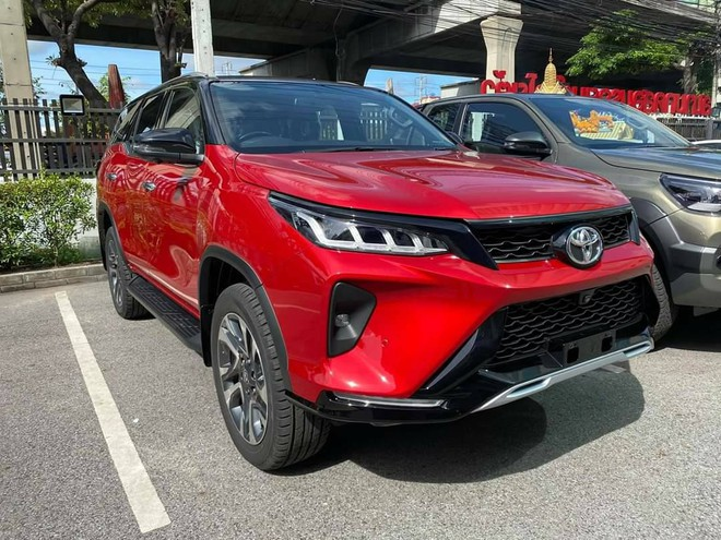 gia-xe-toyota-fortuner-legeder-2021-xetot-com