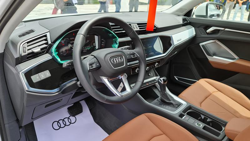 ghe-truoc-xe-Audi-Q3-Sportback-2020-2021-xetot-com-blog