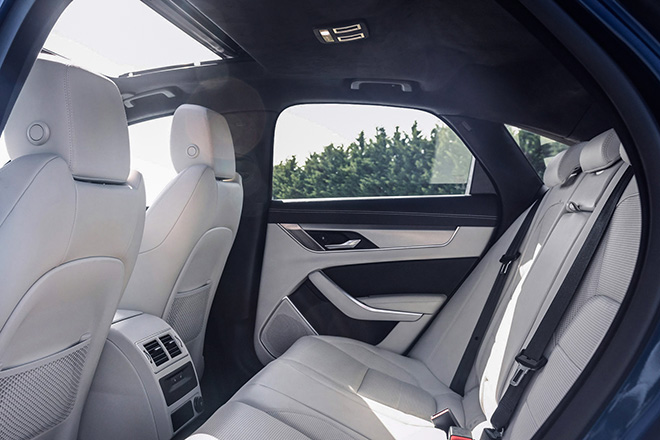 hang-ghe-sau-xe-jaguar-xf-2021-xetot-com-blog
