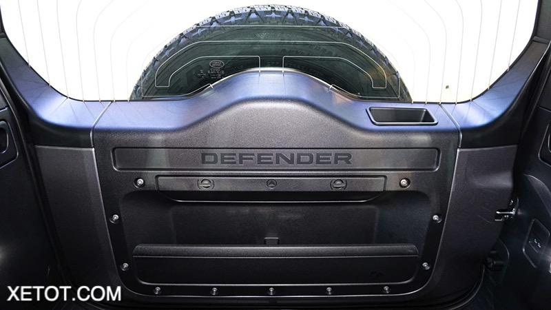 mo-cop-trong-xe-Land-Rover-Defender-2020-2021-xetot-com