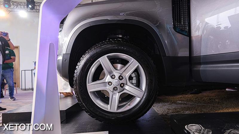 than-Land-Rover-Defender-2020-2021-xetot-com