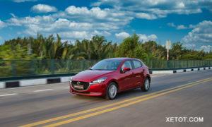 14 3 300x180 - Đánh giá xe Mazda2 Sport 1.5L Luxury mới - mạnh mẽ, tiện nghi hơn cả Yaris