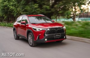 16 1 300x195 - Toyota Corolla Cross 1.8 V 2021: Xứng tầm phân khúc SUV hạng C