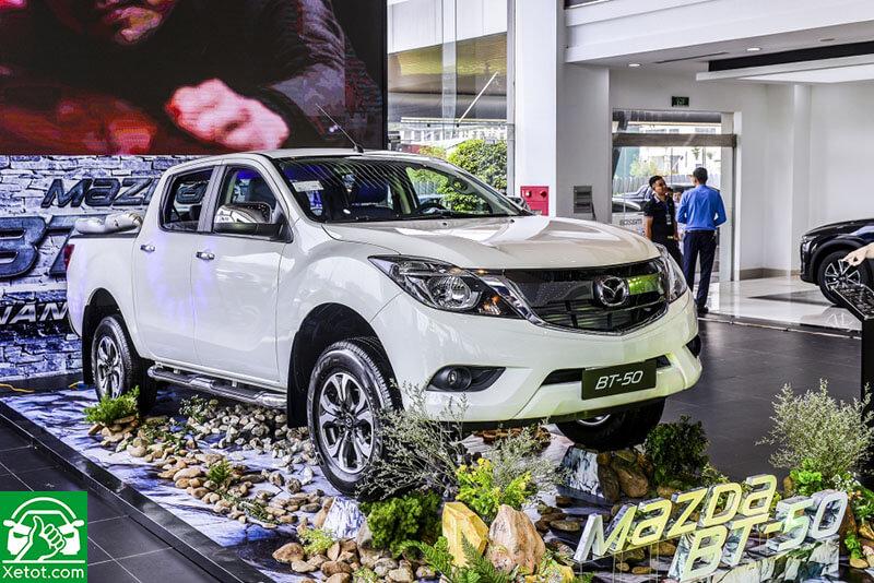 4 4 - Mazda BT-50 Luxury 4x2 - Bán tải giá tốt với nhiều tiện nghi hấp dẫn
