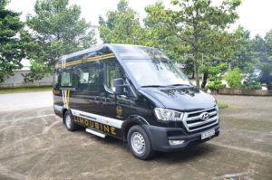 8 3 300x199 - Chi tiết xe Hyundai Solati Limousine - Xe khách đạt chuẩn thương gia