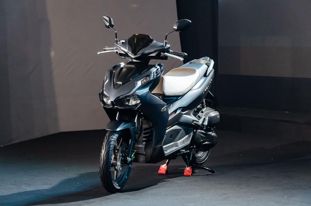 """11 3 - Chi tiết Honda Air Blade 2021 - Giá """"chát"""" bất ngờ, bản cao cấp nhất hơn 56 triệu đồng"""