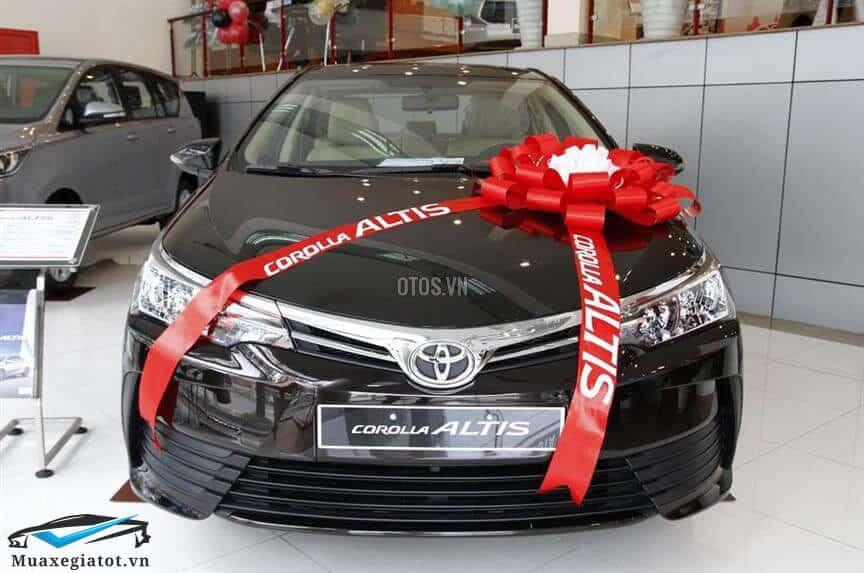 """2 1 - Chi tiết xe Toyota Corolla Altis 1.8E MT 2020 - Phiên bản giá rẻ nhất của """"cựu vương"""" Altis"""