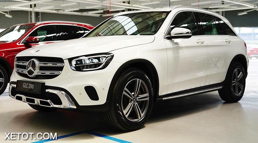3 2 - Đánh giá xe Mercedes GLC 200 2021: Sự nâng cấp về thiết kế và sức mạnh