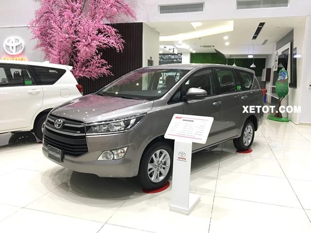 4 17 - Chi tiết xe Toyota Innova 2.0G 2021, bạn đồng hành hoàn hảo cho các gia đình