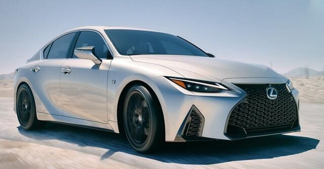 Lexus IS300h 2021 co gi khac - Đánh giá xe Lexus IS 300h 2021 - Mẫu sedan hạng sang cỡ vừa đậm chất thể thao